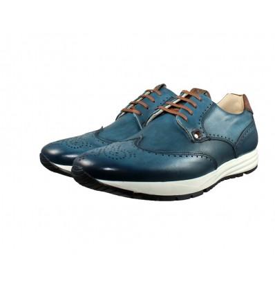 Zapatos con cordones, empeine de piel natural color azul, interior de calzado de piel natural, cómoda plantilla de suave piel.